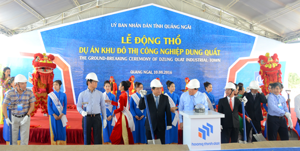 Ground-breaking ceremony of Dung Quat Industrial Town in Quang Ngai Province. — Photo news.zing.vn