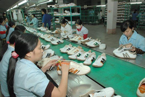 Công nghiệp sản xuất giầy dép