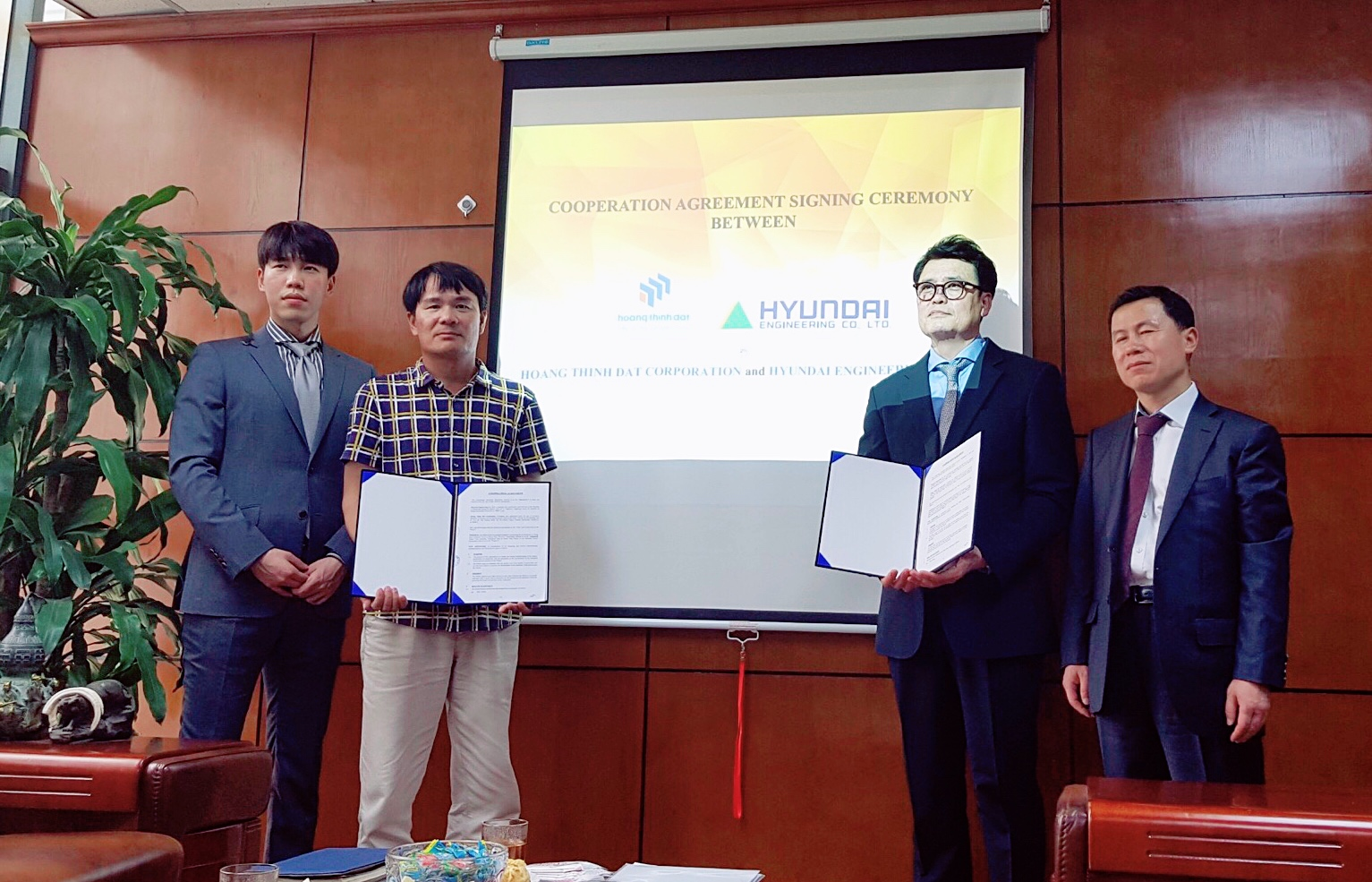 HOANG THINH DAT CORPORATION SIGNED A COOPERATION AGREEMENT WITH